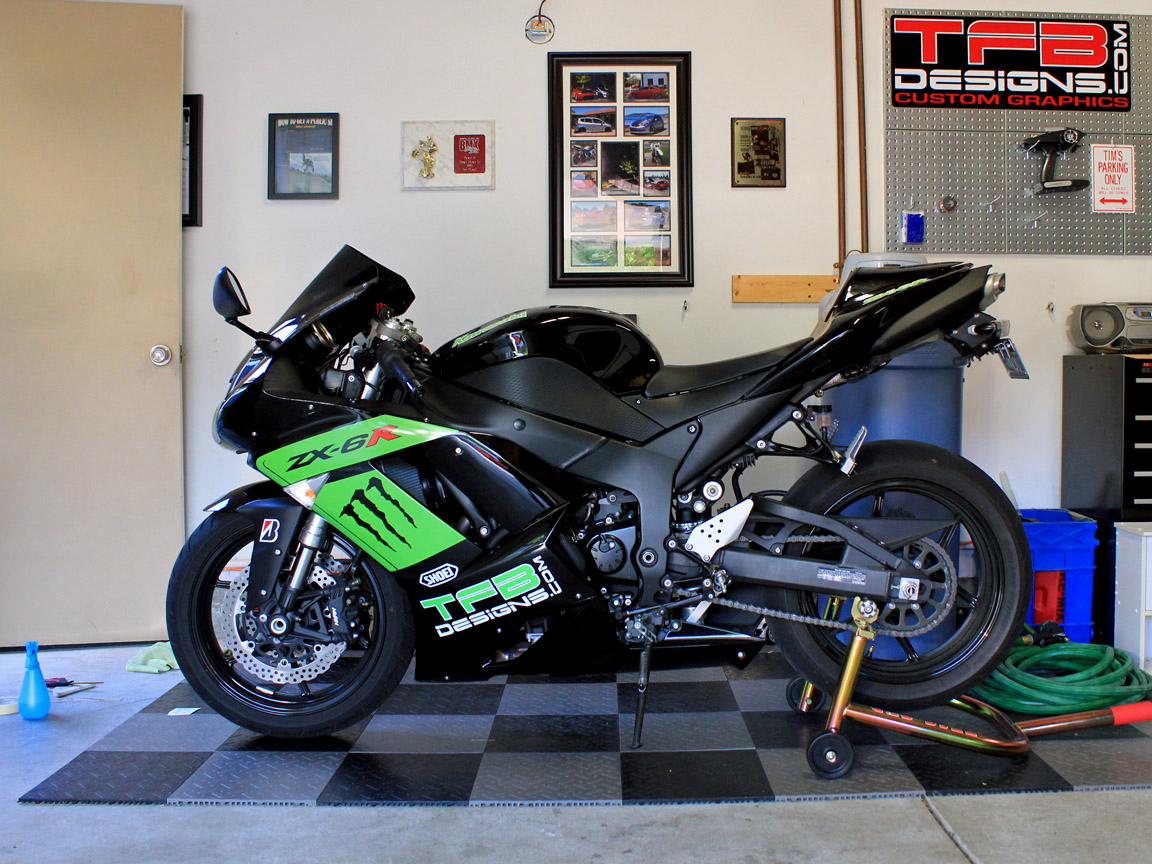 ZX6R Monster Graphics