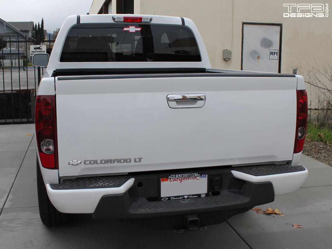 saab 9-7x rear emblem